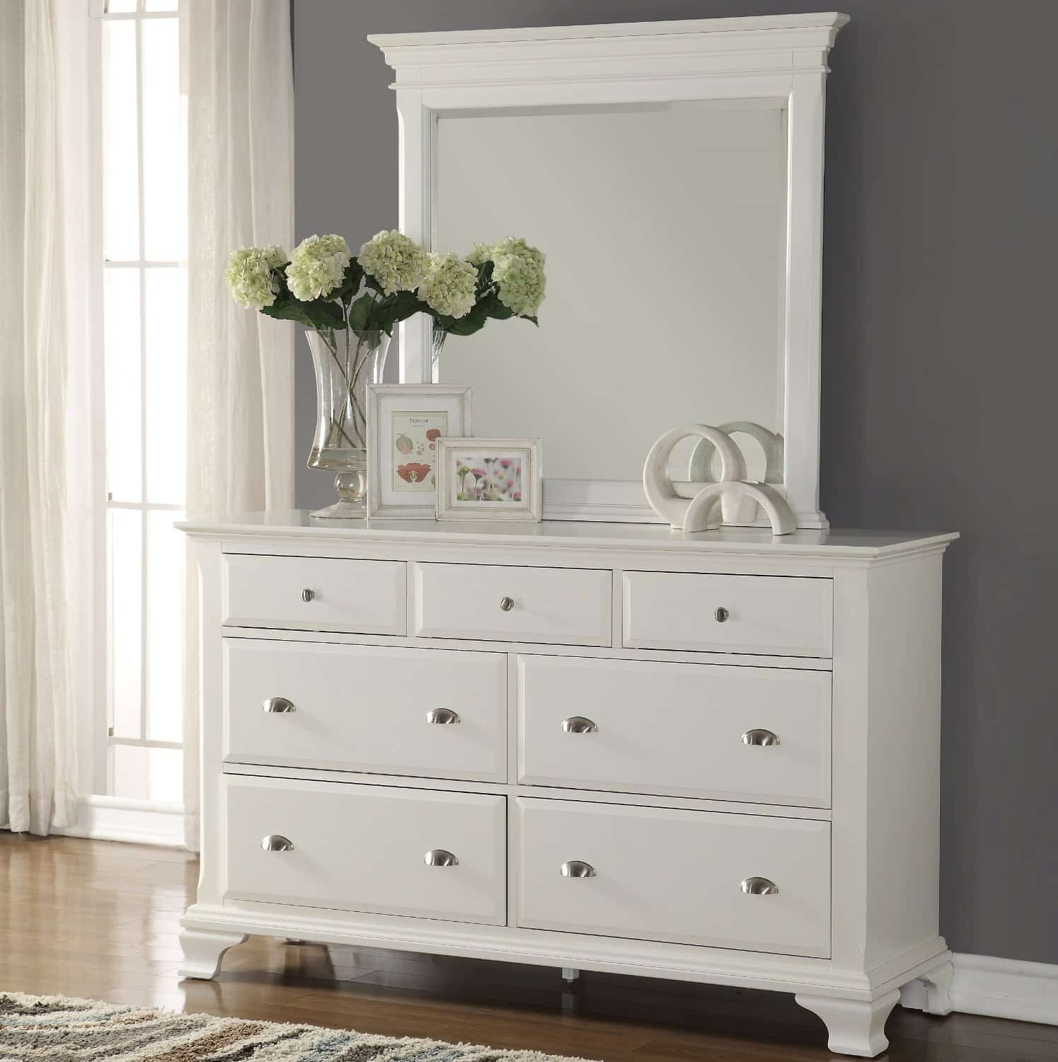 Dressers For Small Bedrooms: White Bedroom Dressers